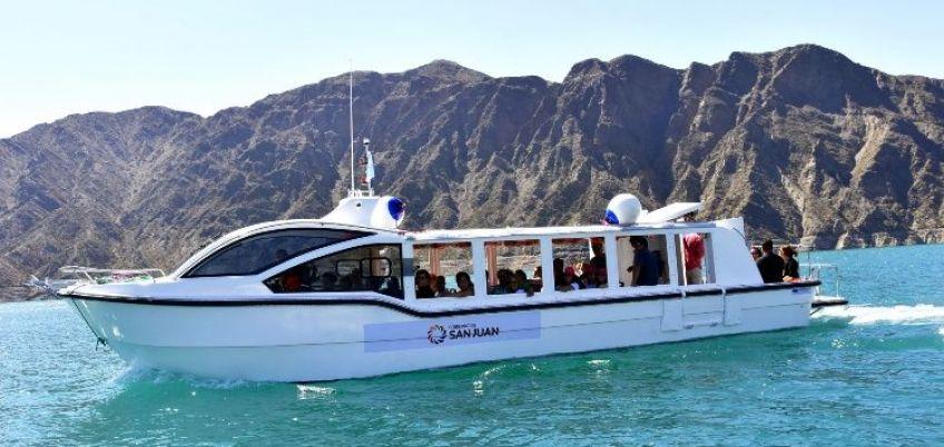 Comenzó a funcionar la embarcación para treinta pasajeros en Punta Negra - Mendoza